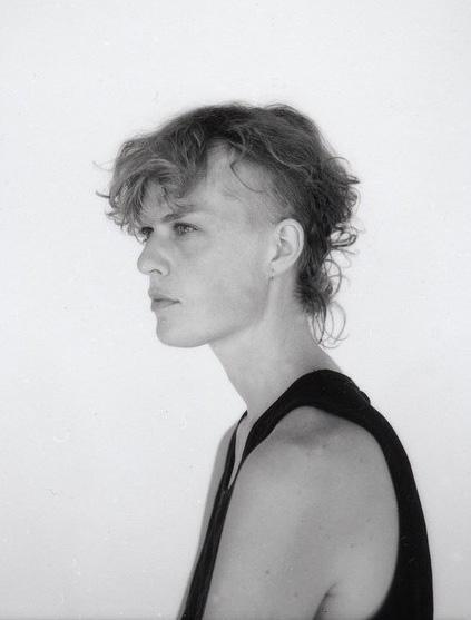Hver måned gir vi bort en fotobok i samarbeid med Fotogalleriet. Månedens bok er Notes av Christina Leithe Hansen.