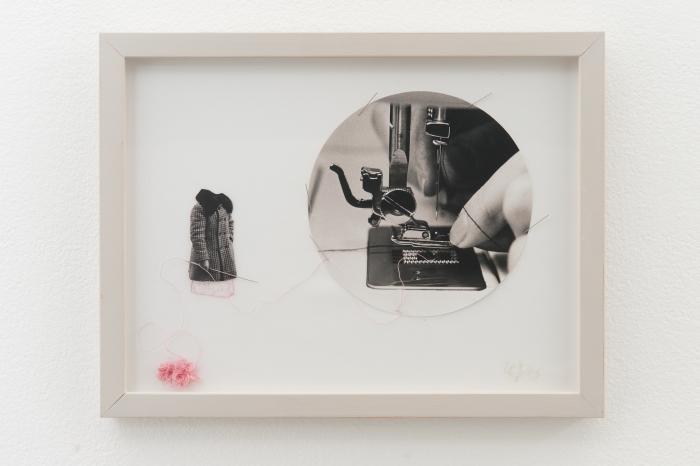 Den finske fotografen Ulla Jokisalo har perforert den fotografiske overflate med nål og tråd.