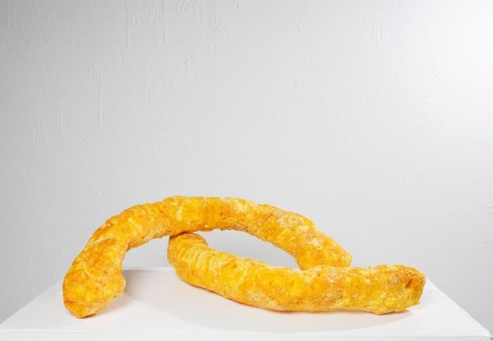 Ole Andre Greger Eriksen - The End is Nigh. Skulptur i byggeskum og ostepop.