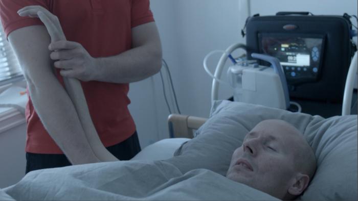 """Stillbilde fra dokumentaren """"På lånt tid""""."""