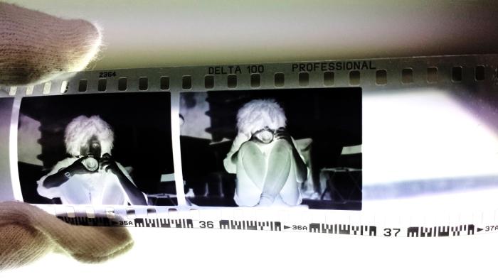 På Oslo Fotokunstskole lærer du å fremkalle din egen film.