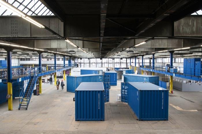 Youngstorget i Oslo får besøk av containerutstillingen til tyske The PhotoBookMuseum. Her fotografert i Köln i 2014.