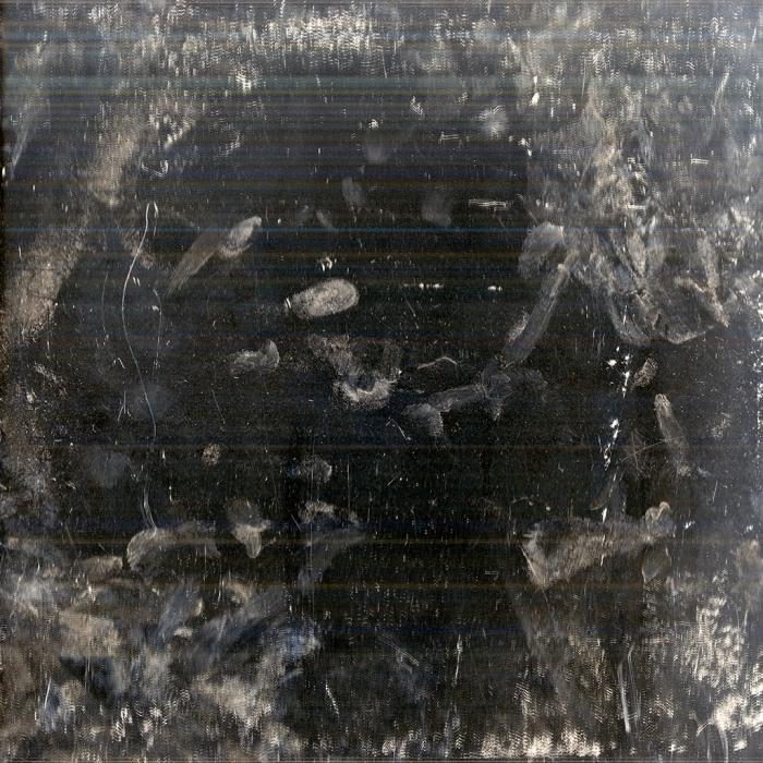 Andrea Grundt Johns, Overflatens mikroskopiske topografi (mirror scan) #9, fra utstillingen i Göteborg konstförening. Inkjet print på aluminium, 1x1m.