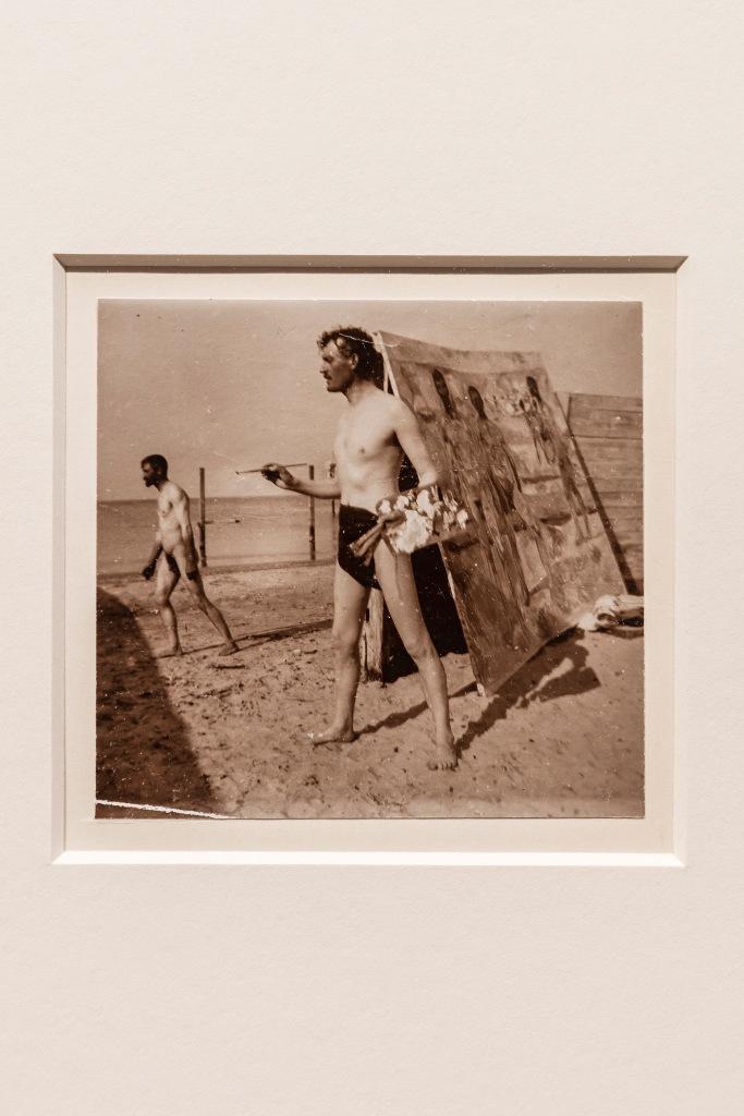 – Brorparten av Munchs fotografier er selvportretter, hvilket er uvanlig for kunstnere som ellers ikke arbeider med fotografi, sier kurator Jon Ove Steihaug.