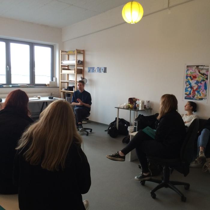 Fra besøk i atelieret til kunstner Sverre Strandberg.
