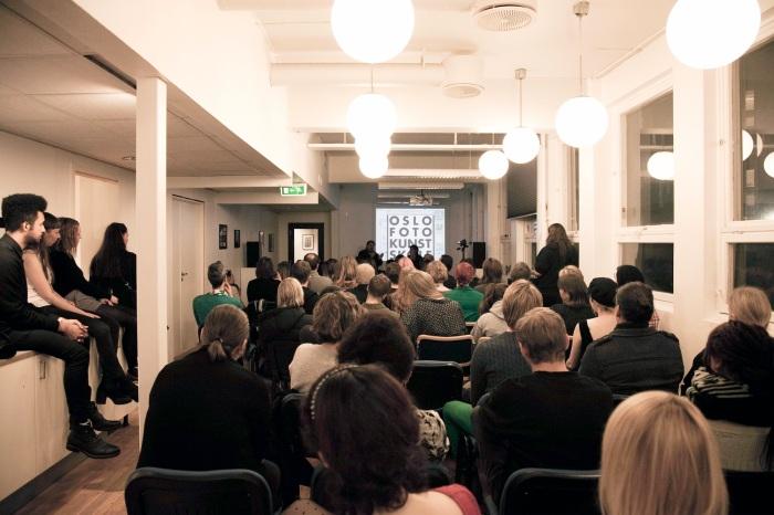 Fra gjesteforelesning på Oslo Fotokunstskole med den anerkjente kunstneren Lene Berg og den tyske filmviteren Olaf Möller.
