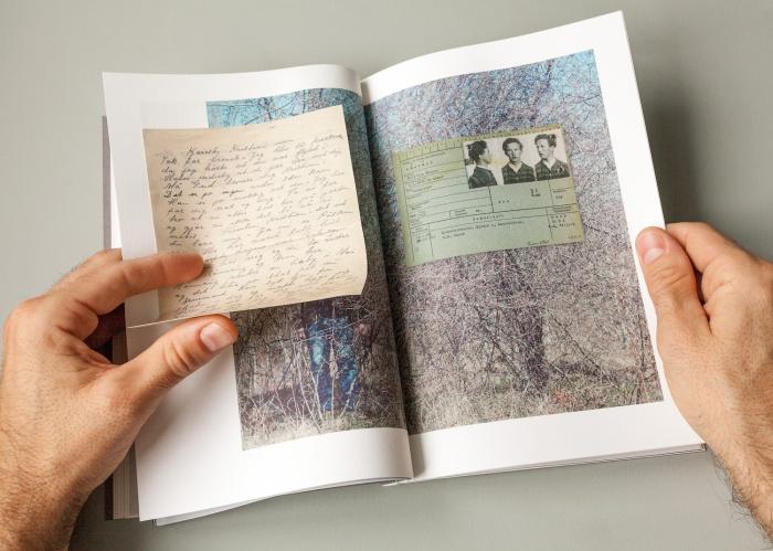 En publikasjon med nye kunstneriske bidrag fra utstillerne m.fl. er laget i forbindelse med utstillingen.